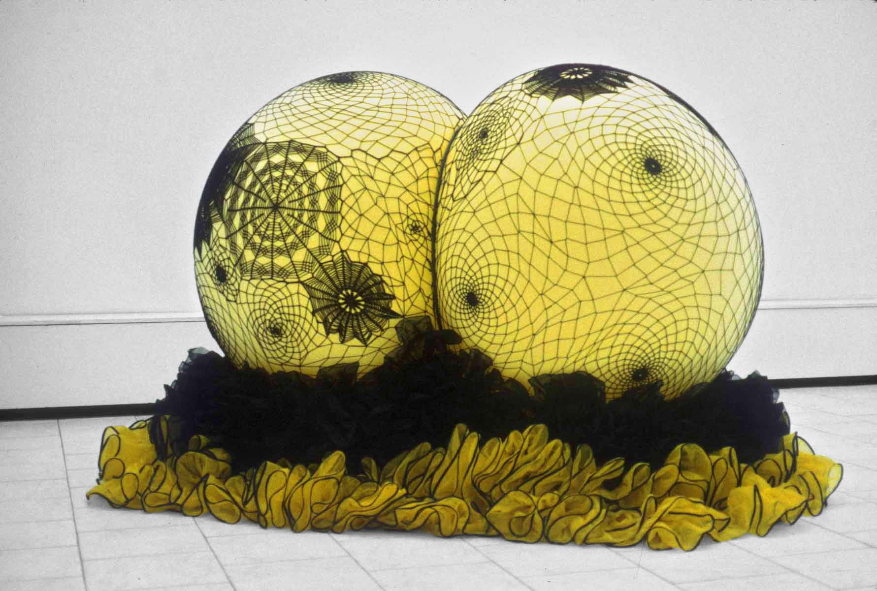 Nancy Davidson<br>Netella<br>1998<br>Latex, rope, fabric, plastic<br>55 x 90 x 60 in